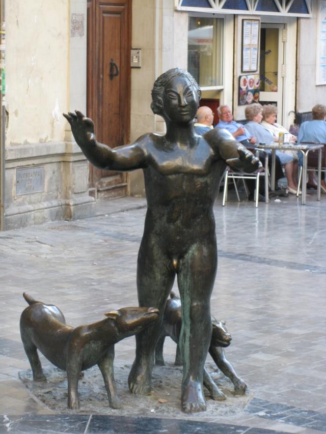 Escultura_en_plaza_Uncibay